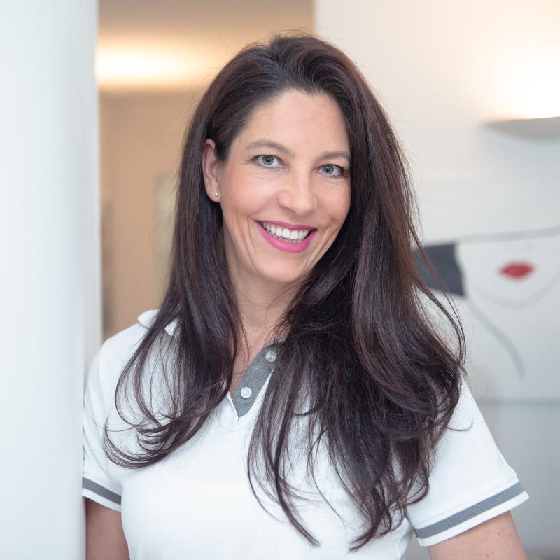 Dr. Nina Roschmann